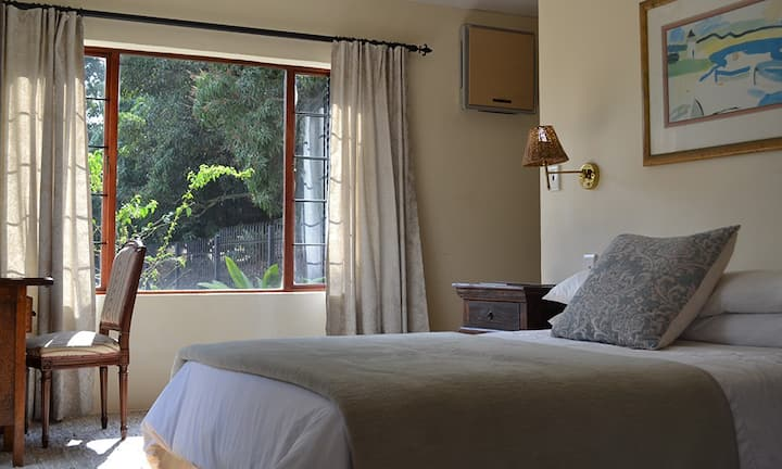 Wildfig Guesthouse Large Bedroom& en suite