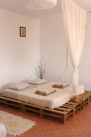 Romantic Studio La Casita - Mondrón - กระท่อม