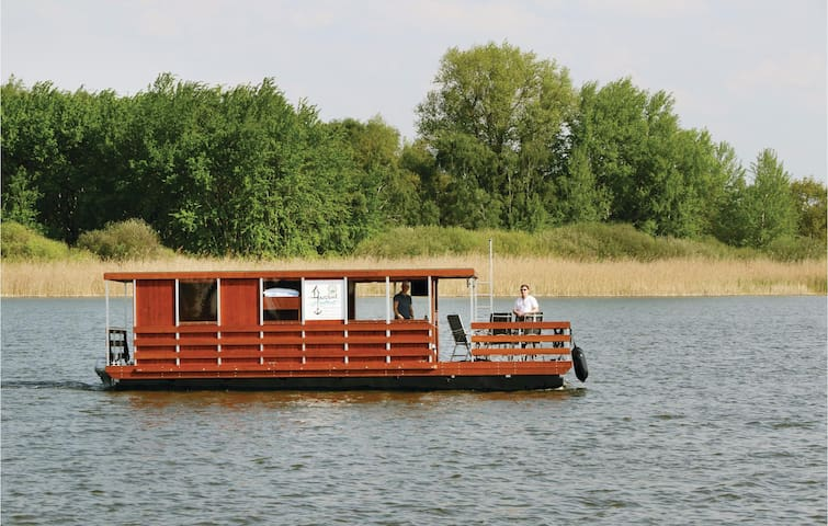 Houseboat with 2 bedrooms on 35 m² DBB214