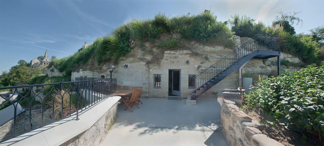 La troglo à plumes - Parnay - Cave