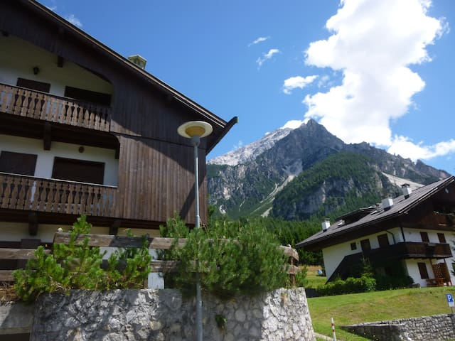 Beautiful Dolomites view appartment - San Vito - Appartement