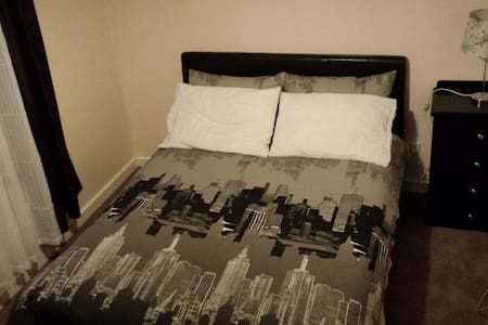 Homely Room Available - Norlane