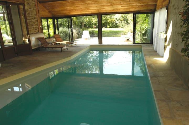 Cottage, salon manoir +piscine intérieure chauffée