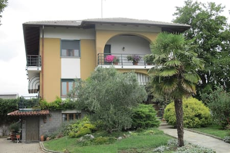 Le Acacie. Appartamento in villa. - Caselle Torinese