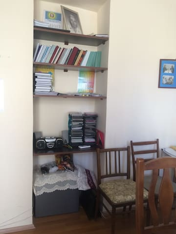 A Quite Old City Apartment - Baku - Apartament