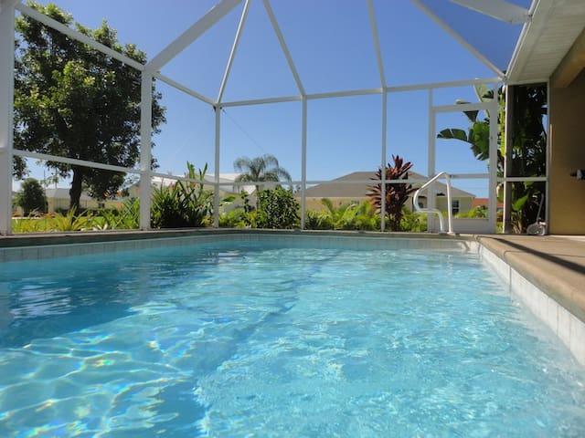 Pool Spa House - ケープコーラル - 別荘
