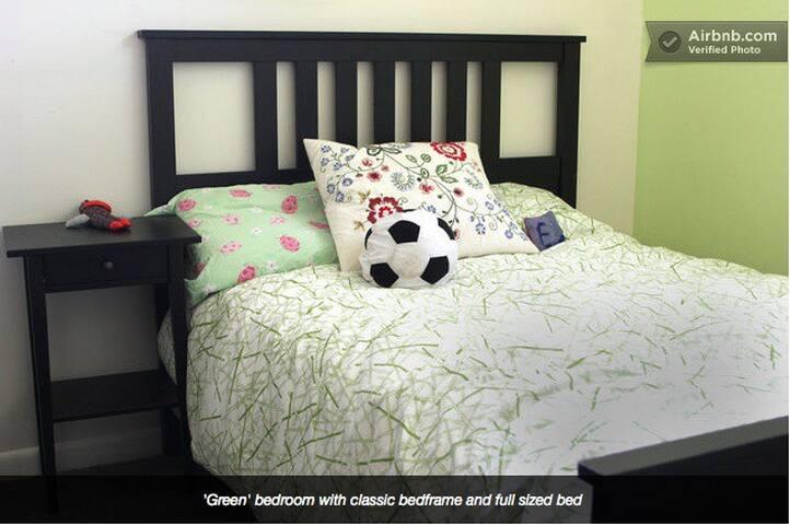 'Green' Bedroom in West Side House