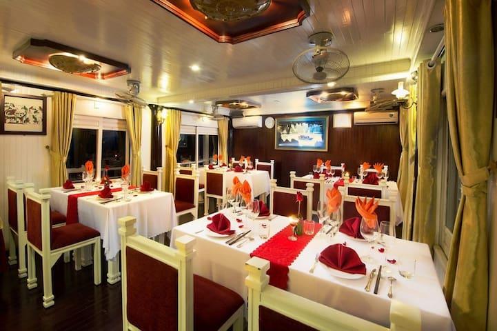 Alova Cruise Ha Long 1 Day Tour - tp. Hạ Long - Boat
