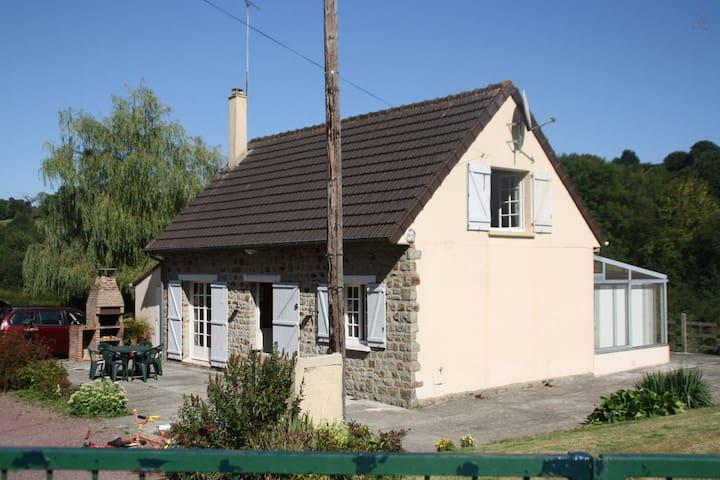 gite proche MONT ST MICHEL - Pont-Farcy - Rumah