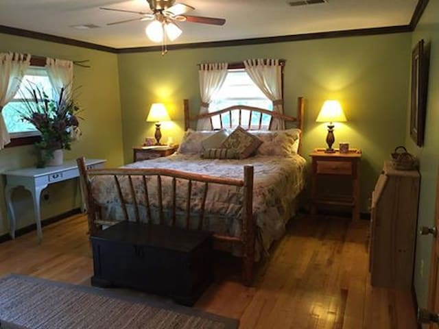 Morgan Branch Ranch - Pleasantville - Casa