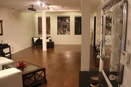 Loft for stay and Photography - Carson