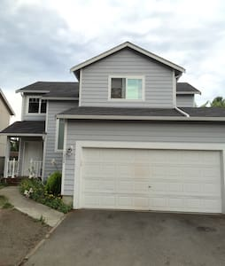 Olympia/Lacey*Entire Home*Sleeps 6