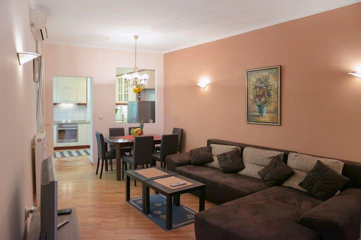 Terazije Central Apartment (80m2)