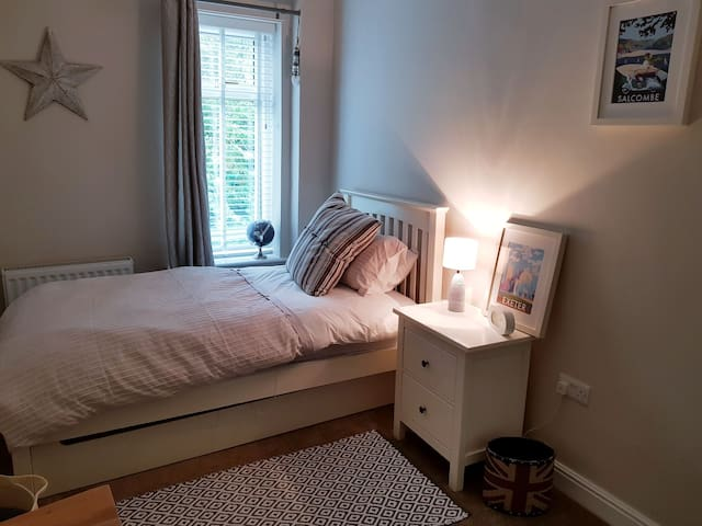 Central Skipton - single bedroom.