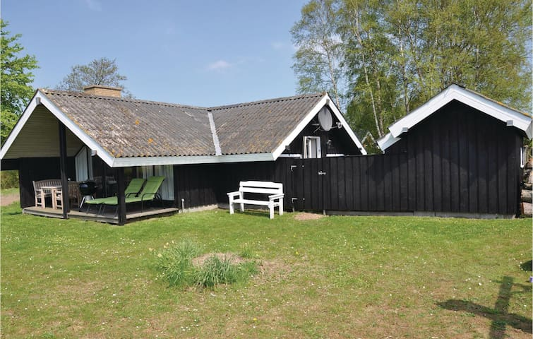 Holiday cottage with 3 bedrooms on 58 m² in Egernsund
