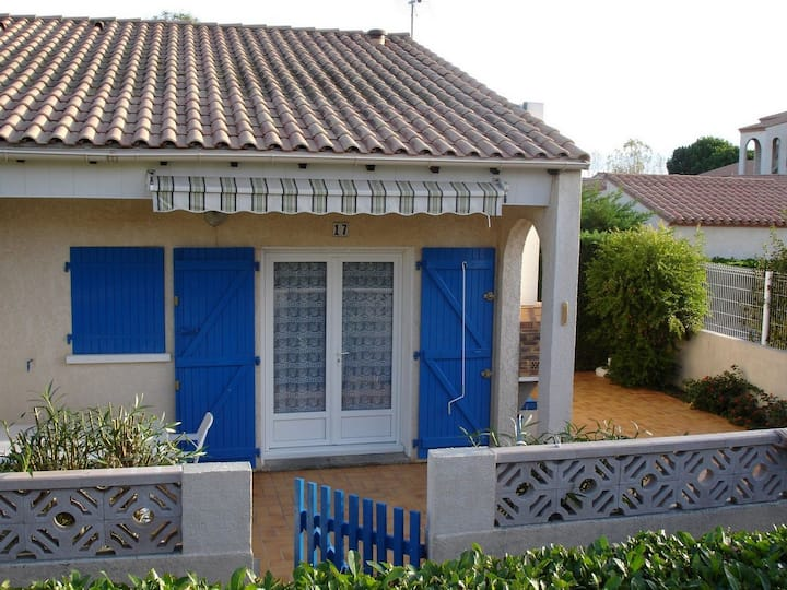 Villa 3* 55 m2, 3 Ch, piscine partagée, mer  50 m