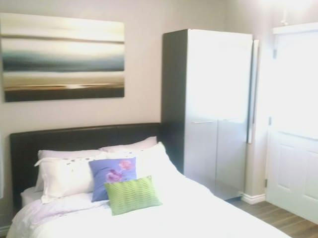 1 brm apartment oasis in Ahuntsic furnished