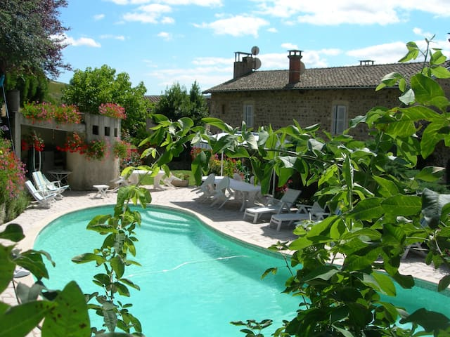 Chambres d'hôtes au Domaine - Quincié-en-Beaujolais - Penzion (B&B)