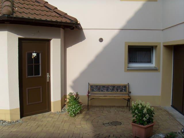 Ferienwohnung Adelheid - Ebensfeld-Eggenbach - Apartment