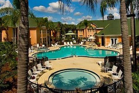 1 Bedroom Resort Suite #2  Near Disney (Sleeps 6)