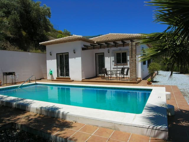 Beautiful Country Villa With Pool - Canillas de Albaida - Casa de camp
