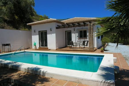 Beautiful Country Villa With Pool - Canillas de Albaida - Vila