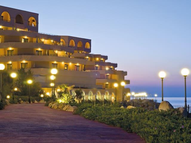 Ocean View Resort Unit - 2 bd/2 ba