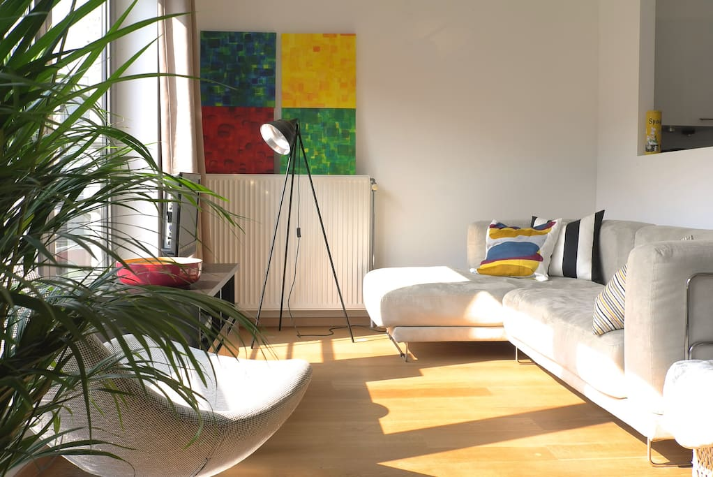 Sunny living room!