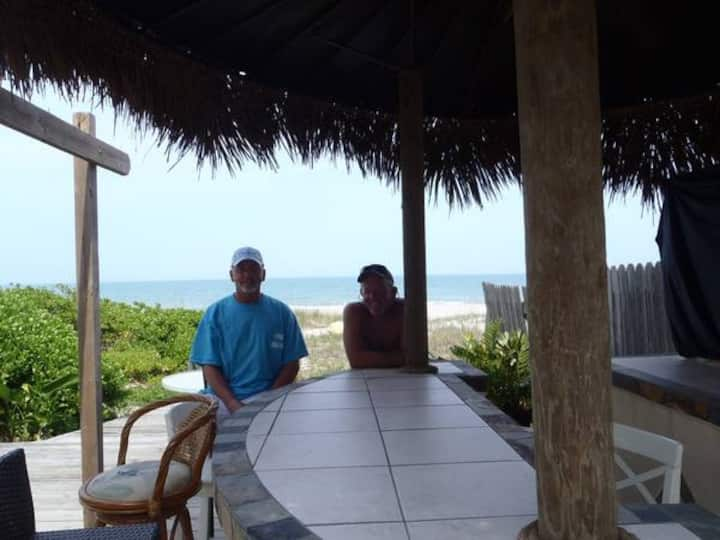 OceanView 2 Hedys Right on the Beach   (2nd floor)