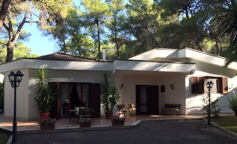 Seaside Villa in the pine grove - Castellaneta Marina - Villa