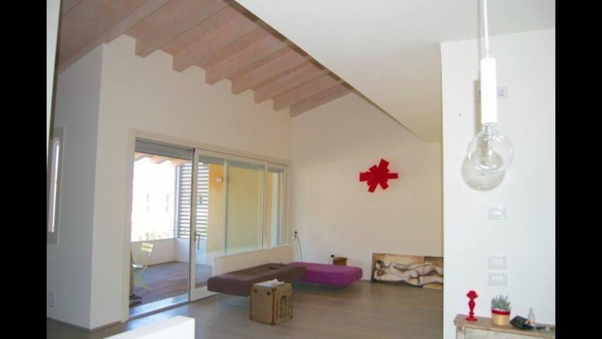 Moderno appartamento panoramico