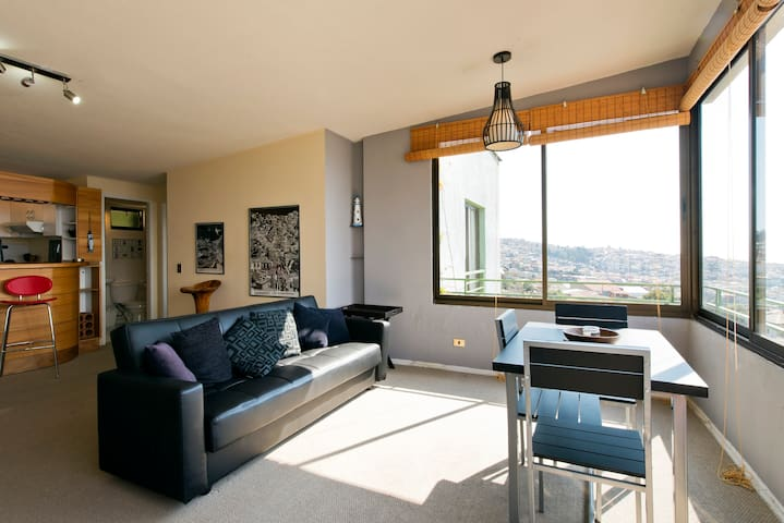 Apartment with view, Cerro Alegre