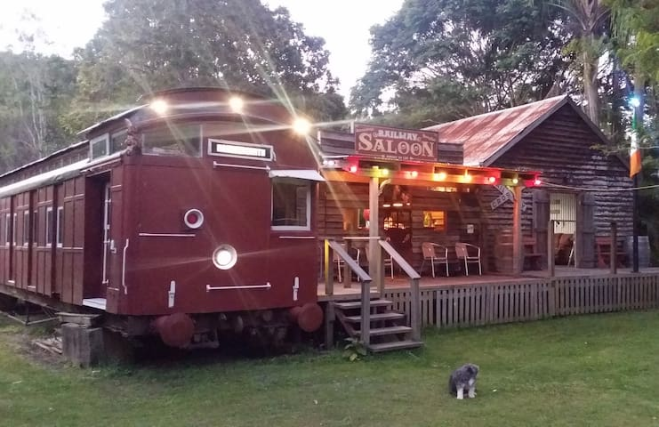 Luxury Train on Farm + Irish Pub ! - Biarra - Tren