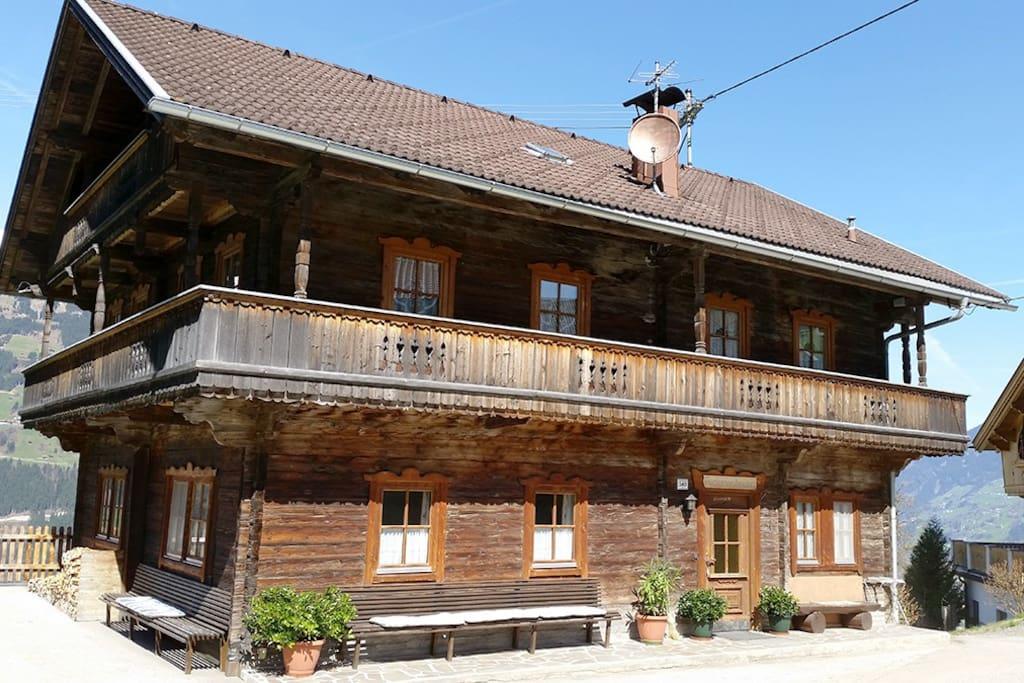 Old farmhouse on gerlosberg chalets te huur in for Chalet te koop oostenrijk tirol
