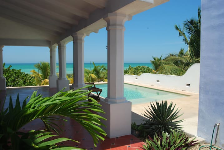 Casa Lila - Idyllic Oceanfront Getaway - Telchac Puerto - Dom