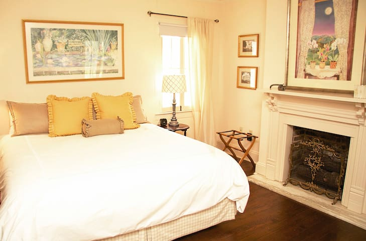 Downtown Suite...Walk Everywhere!!! - Natchez - Apartment