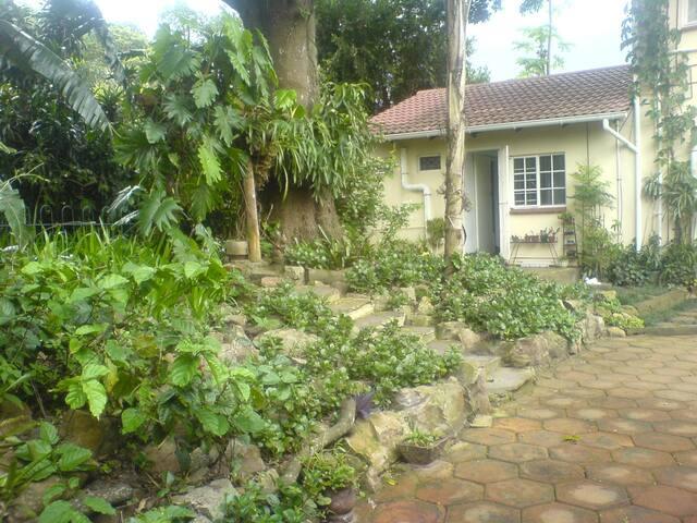 free standing garden flat