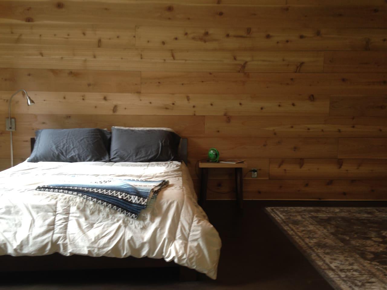 Super comfortable queen bed