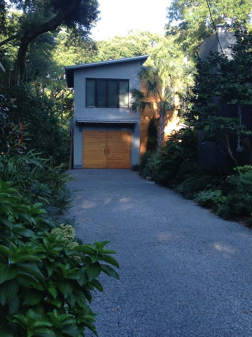 Newly constructed modern garage/loft space