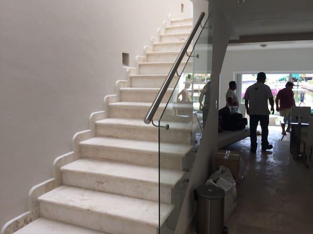 Casa en Privada en Zona Hotelera
