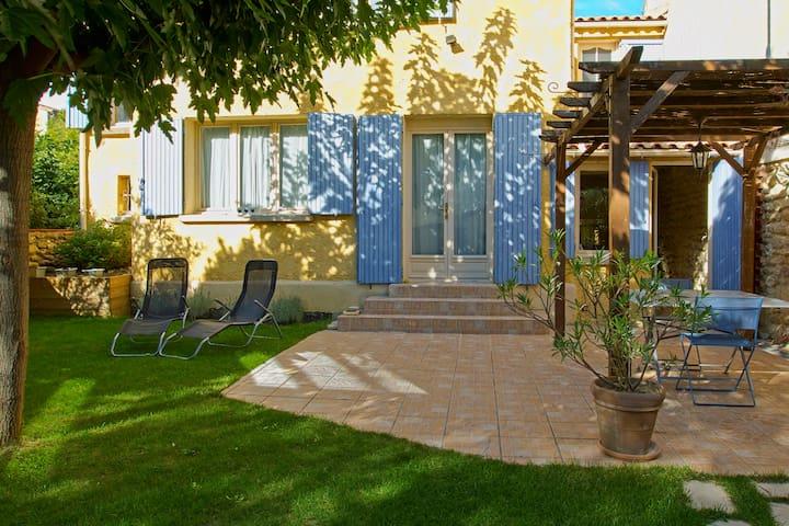house nearly Avignon in provence - Courthézon - Casa