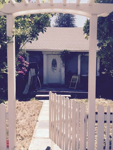 Quaint, comfortable, private room - Menlo Park - Casa