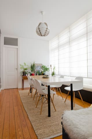Very central w/ garden, for up to 4 guests