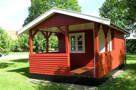 Hytte i æblehaven - Rønne - Blockhütte