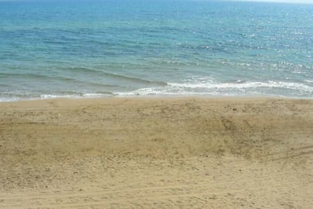 Easy rooms on the beach 2/3 pax - Triscina - Bungalo