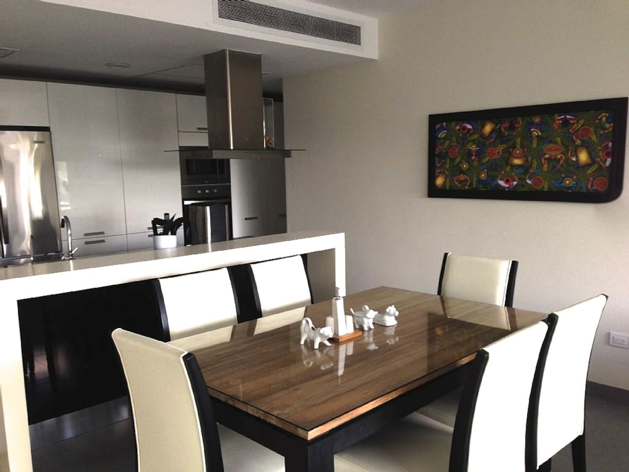 Fully equipped kitchen and dinning room