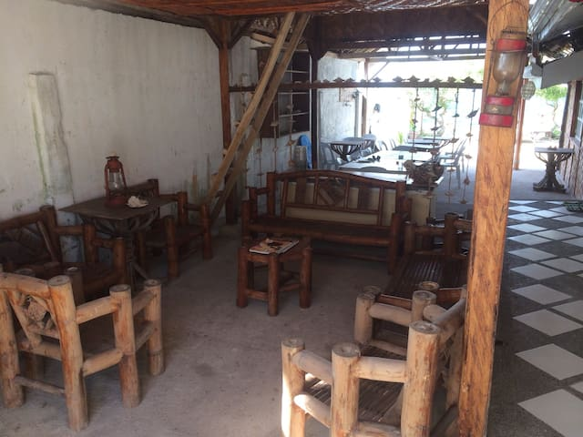 Island paradise,can hire personal assistant/butler - Lapu-Lapu - House