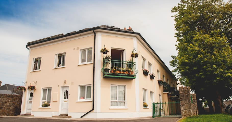 Carrick on Shannon Waterfront house - Carrick-On-Shannon