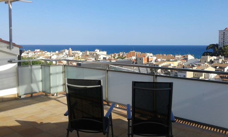 Loft & Huge Terrace in the beach (HUTB-013893) - Canet de Mar