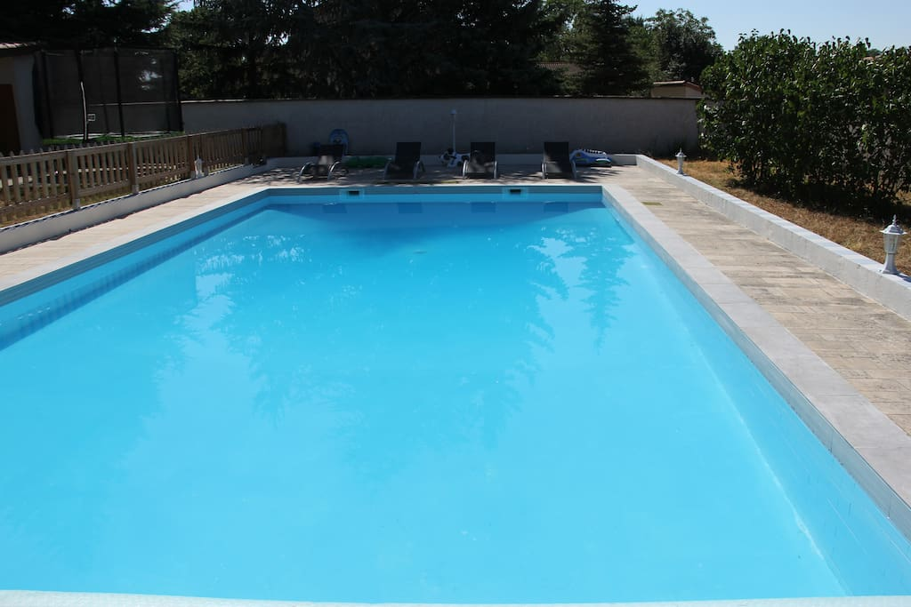 Close to lyon charming house pool houses for rent in for Pool show lyon france